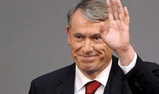 Almanya Cumhurbaşkanı Horst Köhler istifa etti