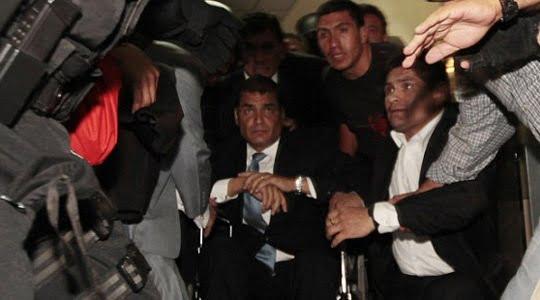 Fidel Castro; Ekvador'daki darbe girişimini Obama ve Clinton'ın bile mahkum etmekten başka çaresi yok !