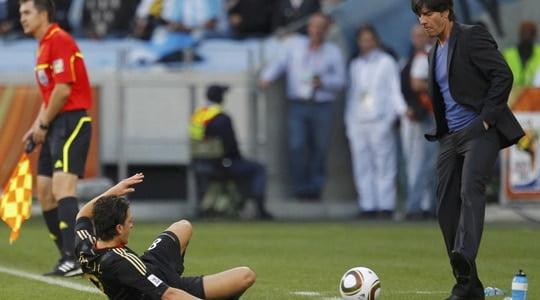 """Joachim Löw """"Genç oyuncularımızı kullanmayı tercih ediyoruz"""""""