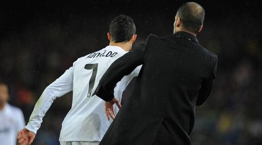 Ve UEFA Jose Mourinho'ya ceza verdi !