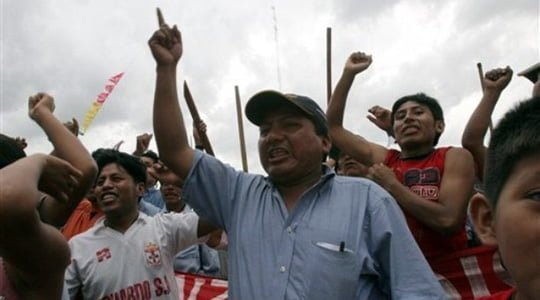 Bolivyalılar greve devam ediyor