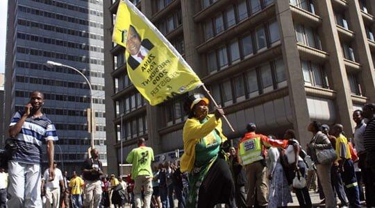 Güney Afrika'da neler oluyor ?