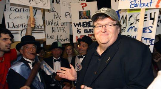 Photo of Michael Moore 'dan Bir Aşk Hikayesi; Kapitalizm !