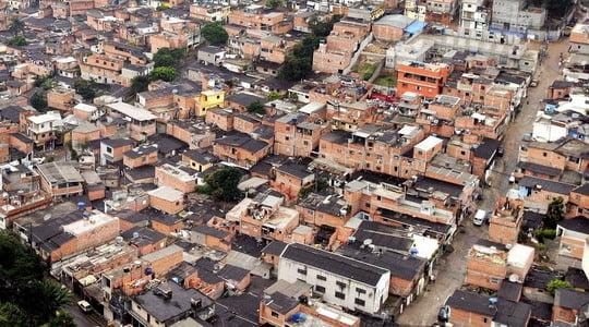 Photo of Brezilya Polisi bir operasyonda 10 genci öldürdü