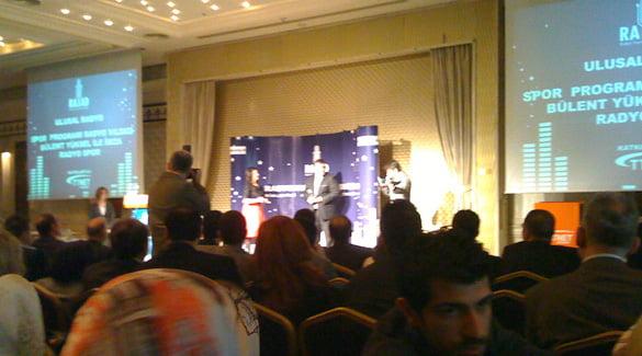 Photo of Bülent Yüksel RAYAD ödülünü aldı . . .