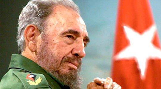 Photo of Fidel Castro: Biz doktor göndeririz, asker değil