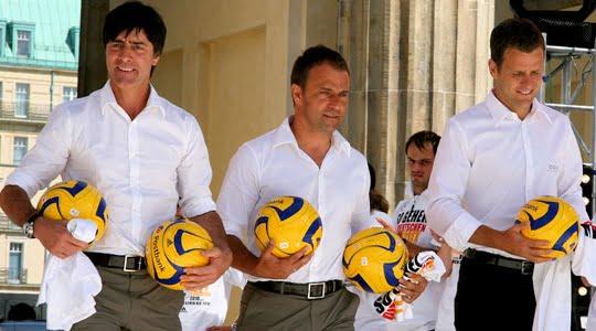 Photo of Joachim Löw : Genç oyuncularımızı kullanmayı tercih ediyoruz