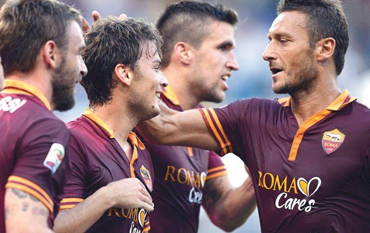 AS Roma kaptanı Francesco Totti Adem Ljajic Kutluyor